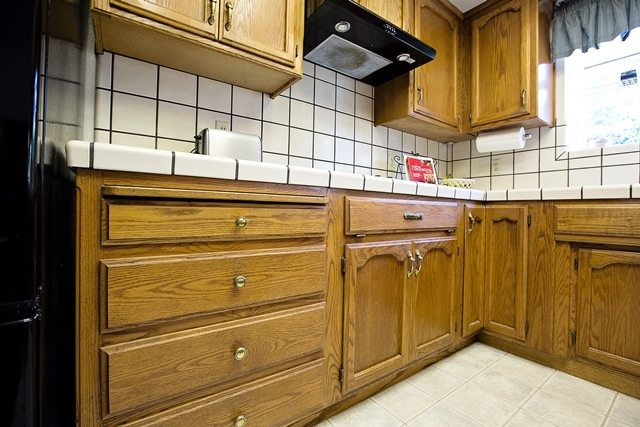 large grout counters and back splash.